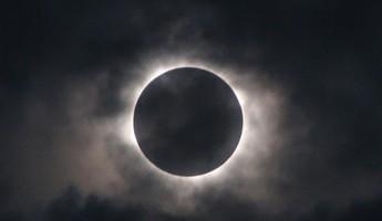 Завтра пензенцы смогут лицезреть полное лунное затмение