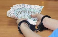 Сколько полицейских в Пензенской области осудили за коррупцию в 2017 году?