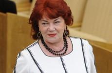 «Нехарасмент». Коммунистка Плетнева поддержала «домогательства» депутата Слуцкого