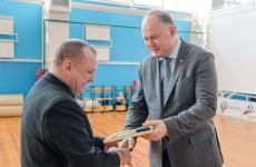 Вадим Супиков наградил представителей спортивного сообщества