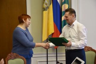 Виктор Кувайцев поздравил начальницу Социального управления Пензы с юбилеем!
