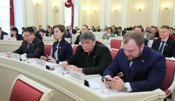 Пензенских депутатов причислили к «середнячку» по доходам