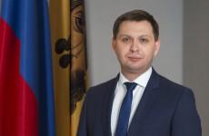 Бывший глава Камешкирского района Крутов снова заработал больше своего начальника Капралова