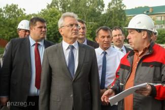 Белозерцев нацелил на сверхскорость реконструкции Дома офицеров