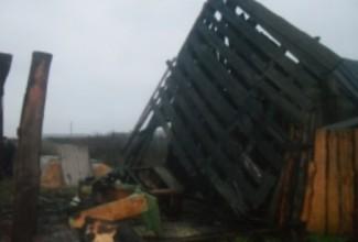 Страшный пожар в Кузнецке тушили 15 спасателей