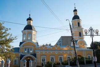 У Покровского собора в Пензе раздадут бесплатную одежду и обувь