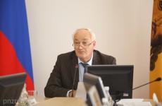 Симонов хочет следить за журналистами