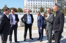 Белозерцев предложил установить на площади Ленина необычный арт-объект