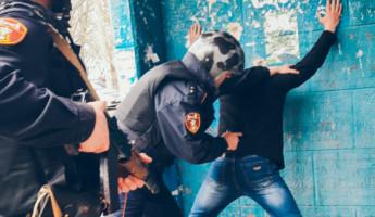 Пензенца-буяна, громившего стекла в подъезде, утихомирили бойцы Росгвардии