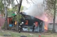 В результате страшного пожара на Мельничной в Пензе пострадал человек