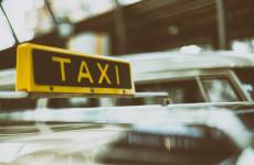 Пензенец остался без связи после поездки в такси