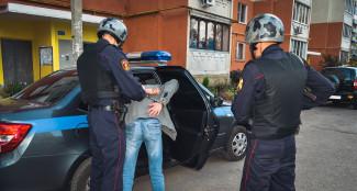 Неадекватный пензенец проверил не прочность голову таксиста