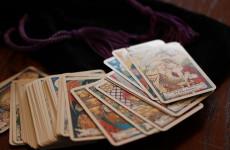 Лже-колдуны «обули» наивную горожанку на 700 тысяч рублей
