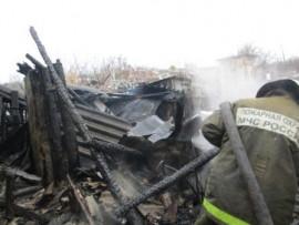 Жуткий пожар в Кузнецке тушили 15 человек