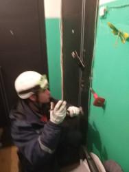 В Пензе маленький ребенок оказался в «бетонной ловушке»