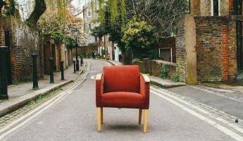 Доверчивый пензенец попался на уловку мошенников, пытаясь купить мебель