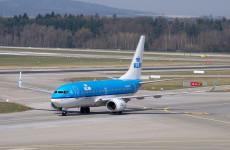 Смерть на взлетно-посадочной полосе: мужчина погиб, столкнувшись с самолетом