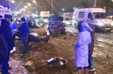 Массовое ДТП на улице Карпинского в Пензе: четыре человека пострадали от столкновения трех машин