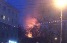 В МЧС прокомментировали жуткий пожар в центре Пензы