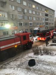 На проспекте Строителей в Пензе загорелся жилой дом. Из огня спасены 10 человек. ФОТО