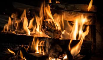 Шесть человек тушили страшный пожар под Пензой