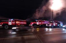 Крупный пожар на улице Терновского в Пензе: огонь уничтожил 100 квадратных метров дома