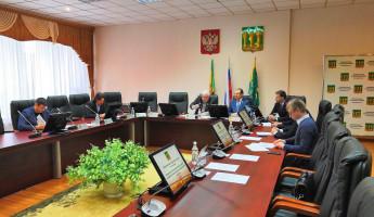 В Гордуме обсудили выдачу муниципальных квартир и уборку снега