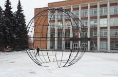 В Пензе засияет праздничными огнями шестиметровый елочный шар