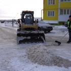 В Спутнике десятки дворников ежедневно выходят на уборку