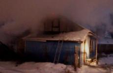 В Пензенской области деревянный дом тушили шестеро пожарных