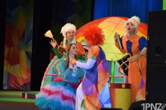 Начались Новогодние «Ёлочки» в Пензенском драмтеатре