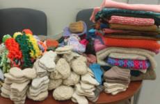 Жители Пензы и области передали сотни вязаных вещей недоношенным младенцам