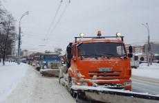 За минувшие сутки с пензенских дорог вывезено более 5700 кубометров снега