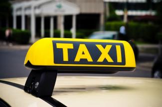 В Пензе водитель такси наглым образом обокрал пассажира