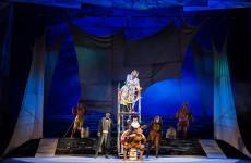 Обзор новогодних представлений в самых старейших театрах России