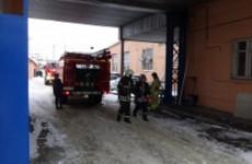 Серьезный пожар на пензенском заводе «Элетех» тушили 18 человек