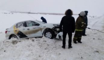 В Пензенской области вылетела в кювет машина «Яндекс.Такси»