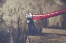 Житель Пензенской области ударил собутыльника топором по голове