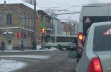 В центре Пензы произошла серьезная авария с участием автобуса