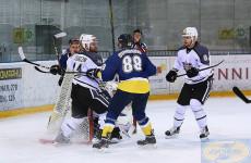 На домашнем льду пензенский «Дизель» обыграл одного из лидеров чемпионата ВХЛ