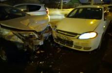 Момент столкновения четырех машин в Терновке попал на видео