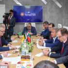 Белозерцев подписал соглашение о сотрудничестве с Татарстаном