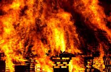 В Пензенской области из-за пожара обрушилась крыша здания