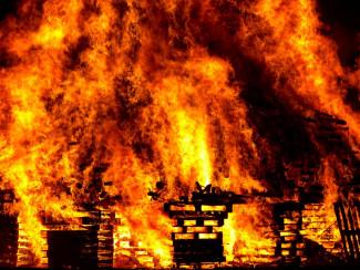 Серьезный пожар в Сердобске: вспыхнул деревянный дом
