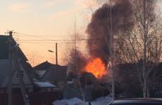 Крупный пожар в пензенской Терновке тушили более 10 человек