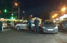 В Пензе в Терновке столкнулись сразу несколько автомобилей