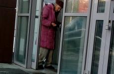 Пожилая пензячка просит милостыню, чтобы купить сыну водку - соцсети