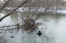 Труп, который пензенские спасатели вытащили из реки, пробыл в воде почти полгода