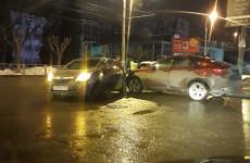 В центре Пензы случилось тройное ДТП