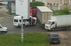 Подробности ДТП на Южной: маршрутчик не пропустил многотонную фуру